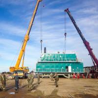 Arctic Crane's during rig move